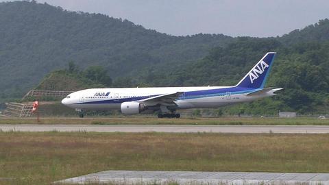 JA701A@広島空港 RWY10エンドから撮影