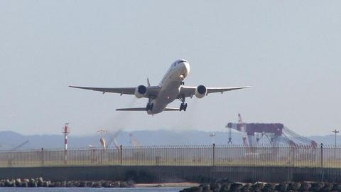 JA752J@東京国際空港