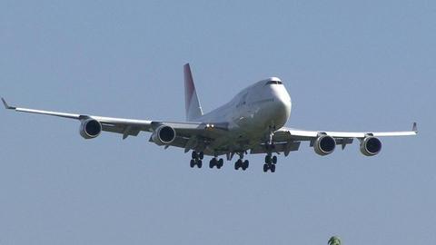 JA8082@成田国際空港
