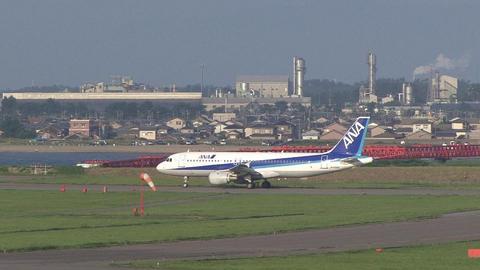 JA8382@新潟空港
