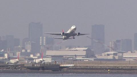 JA8398@東京国際空港