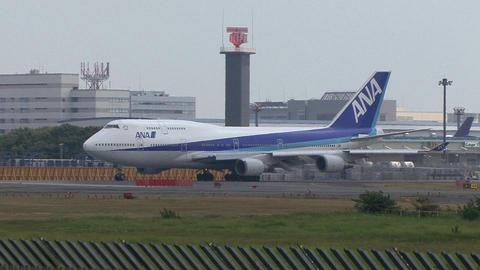 全日本空輸 JA8962