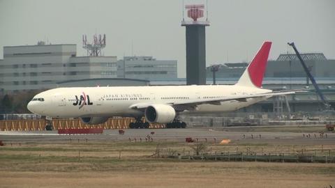 JA731J@成田国際空港。今は「空のエコ」塗装になっていますが。