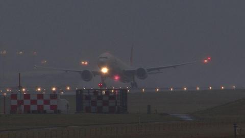 日本航空 JA738J