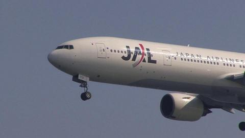 日本航空 JA751J